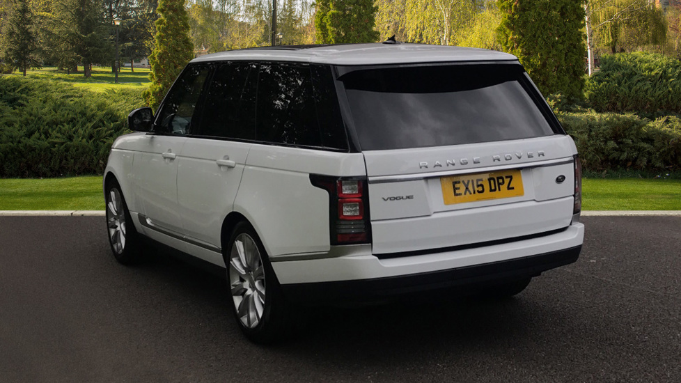 Land Rover Range Rover 3.0 TDV6 Vogue 4dr - Sliding Panoramic Roof - Privacy Glass -  image 2