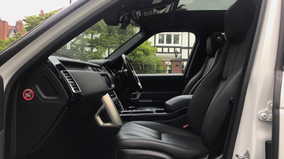 Land Rover Range Rover 3.0 TDV6 Vogue 4dr - Sliding Panoramic Roof - Privacy Glass -  image 3