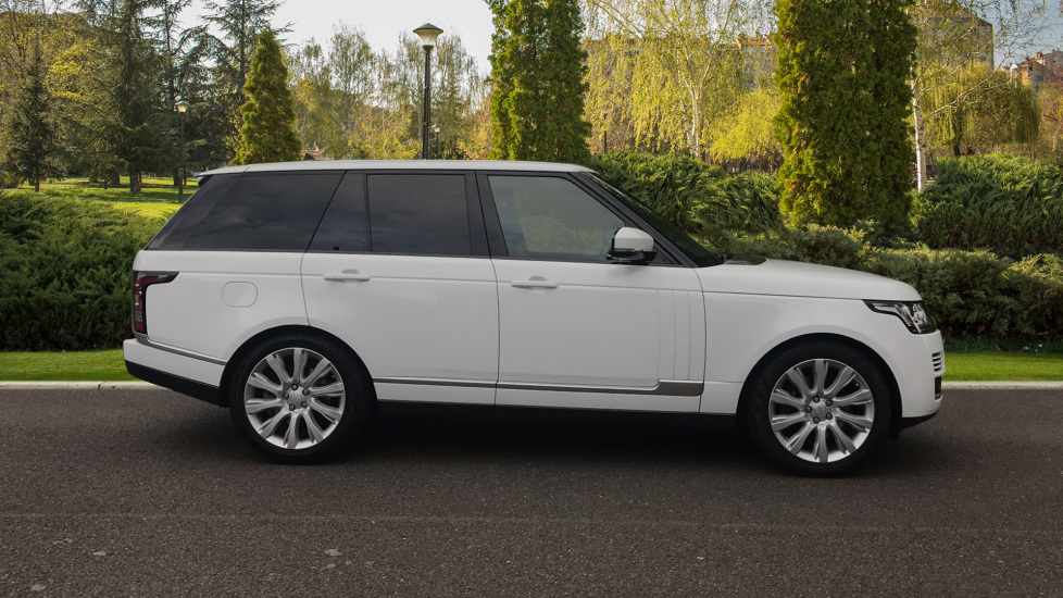 Land Rover Range Rover 3.0 TDV6 Vogue 4dr - Sliding Panoramic Roof - Privacy Glass -  image 5