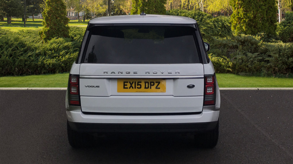 Land Rover Range Rover 3.0 TDV6 Vogue 4dr - Sliding Panoramic Roof - Privacy Glass -  image 6