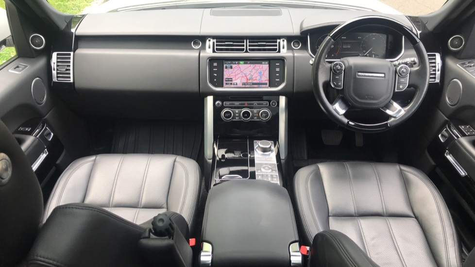 Land Rover Range Rover 3.0 TDV6 Vogue 4dr - Sliding Panoramic Roof - Privacy Glass -  image 12