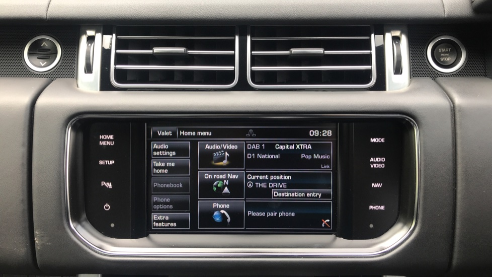 Land Rover Range Rover 3.0 TDV6 Vogue 4dr - Sliding Panoramic Roof - Privacy Glass -  image 16