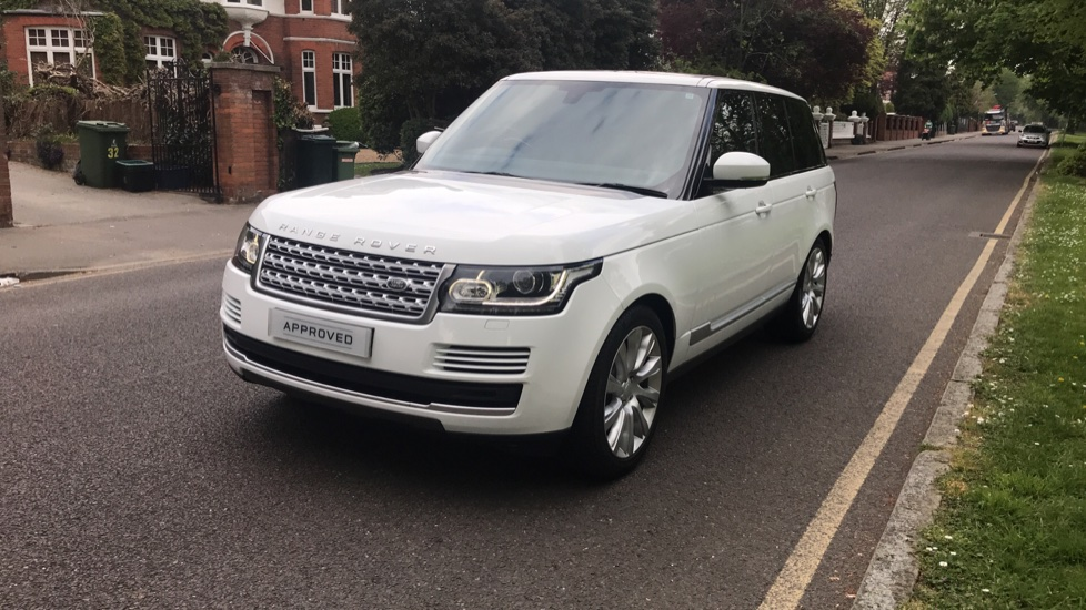 Land Rover Range Rover 3.0 TDV6 Vogue 4dr - Sliding Panoramic Roof - Privacy Glass -  image 29