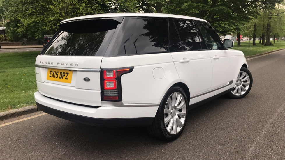 Land Rover Range Rover 3.0 TDV6 Vogue 4dr - Sliding Panoramic Roof - Privacy Glass -  image 32