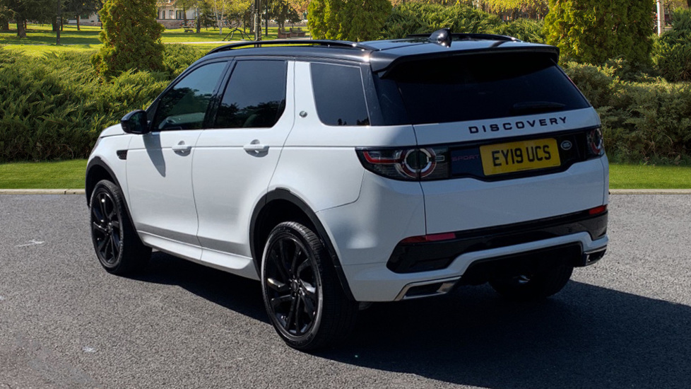 Land Rover Discovery Sport 2.0 SD4 240 HSE Dynamic Luxury 5dr - Fixed Panoramic Roof - Privacy Glass - Black Pack image 2