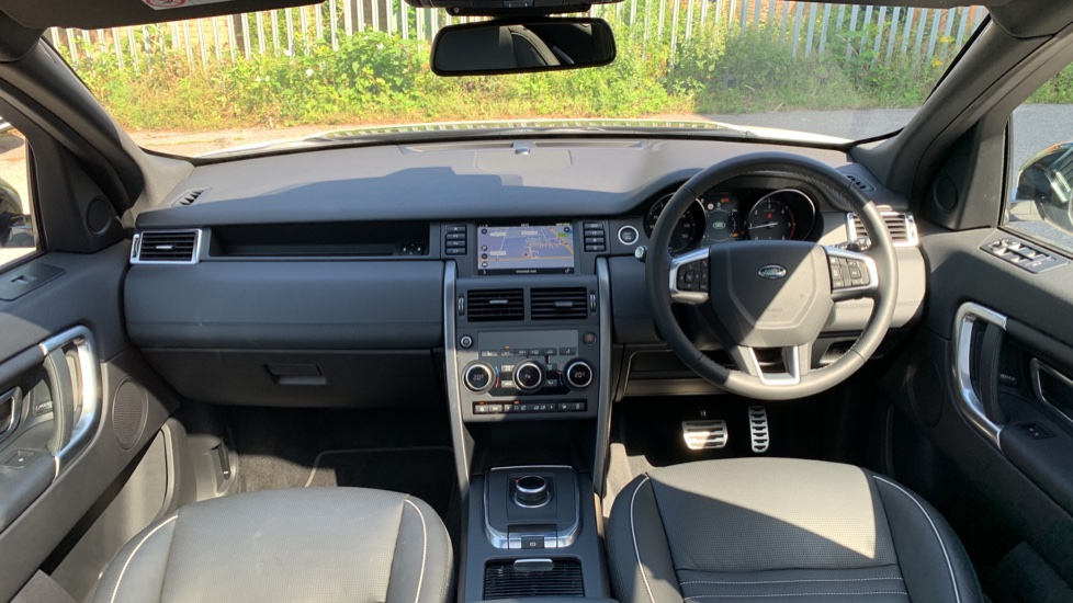 Land Rover Discovery Sport 2.0 SD4 240 HSE Dynamic Luxury 5dr - Fixed Panoramic Roof - Privacy Glass - Black Pack image 9