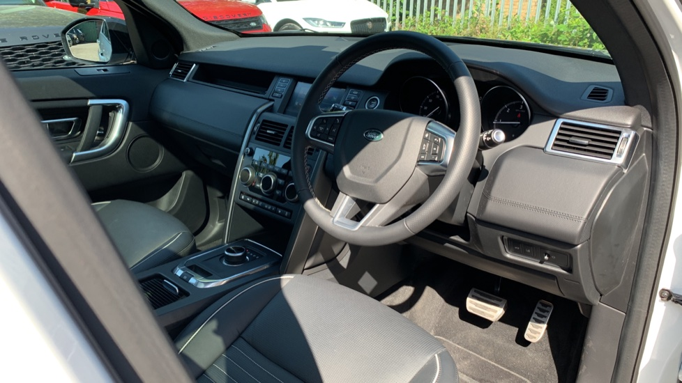 Land Rover Discovery Sport 2.0 SD4 240 HSE Dynamic Luxury 5dr - Fixed Panoramic Roof - Privacy Glass - Black Pack image 24