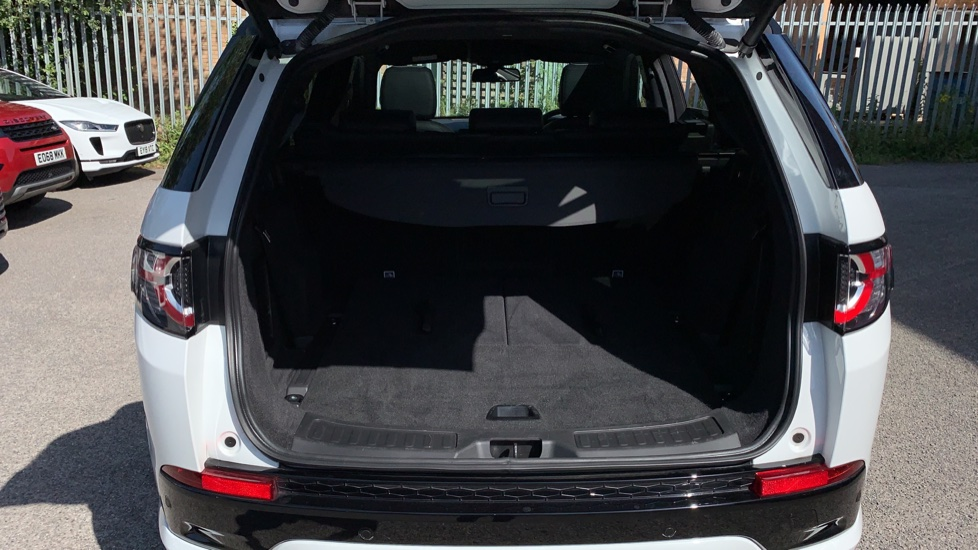 Land Rover Discovery Sport 2.0 SD4 240 HSE Dynamic Luxury 5dr - Fixed Panoramic Roof - Privacy Glass - Black Pack image 28