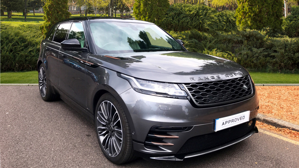 Land Rover Range Rover Velar 3.0 D300 First Edition 5dr - Sliding Panoramic Roof - Privacy Glass -  Diesel Automatic Estate (2017) image