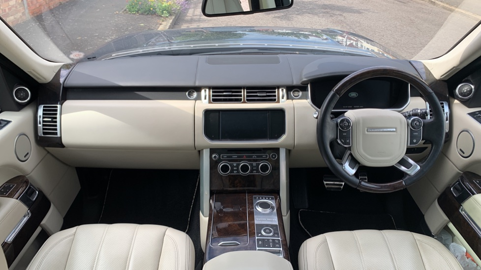 Land Rover Range Rover 5.0 V8 Supercharged Autobiography 4dr image 9
