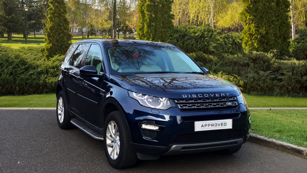 Land Rover Discovery Sport 2.0 TD4 180 SE Tech 5dr - Fixed Side Steps - Privacy Glass -  Diesel 4x4 (2016) image