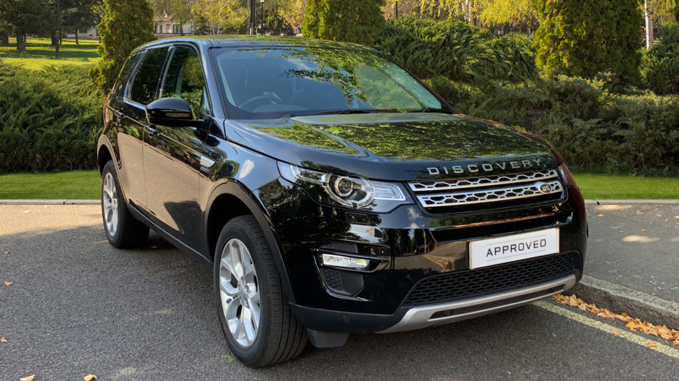Land Rover Discovery Sport 2.0 Si4 240 HSE 5dr - Privacy Glass - Fixed Panoramic Roof - 5+ 2 Seats - Privacy Glass -  Automatic 4x4 (2019) image