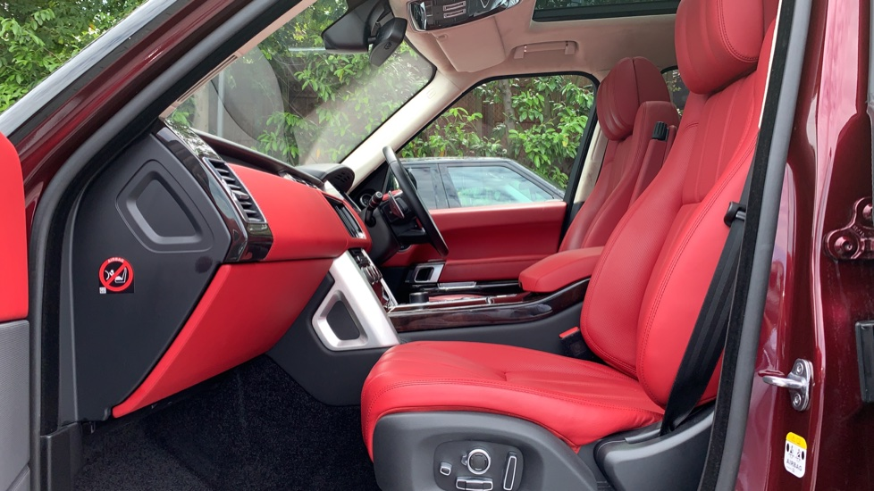 Land Rover Range Rover 4.4 SDV8 Autobiography 4dr - Sliding Panoramic Roof - Privacy Glass -  image 3