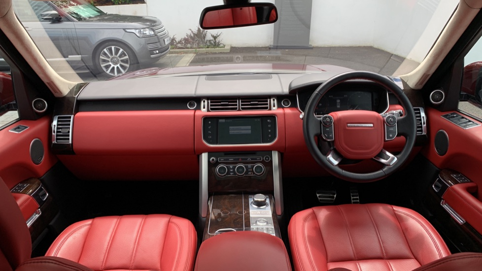 Land Rover Range Rover 4.4 SDV8 Autobiography 4dr - Sliding Panoramic Roof - Privacy Glass -  image 9