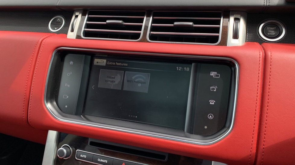 Land Rover Range Rover 4.4 SDV8 Autobiography 4dr - Sliding Panoramic Roof - Privacy Glass -  image 17
