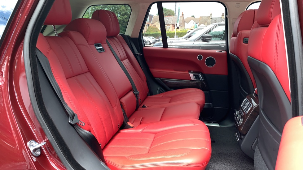 Land Rover Range Rover 4.4 SDV8 Autobiography 4dr - Sliding Panoramic Roof - Privacy Glass -  image 33