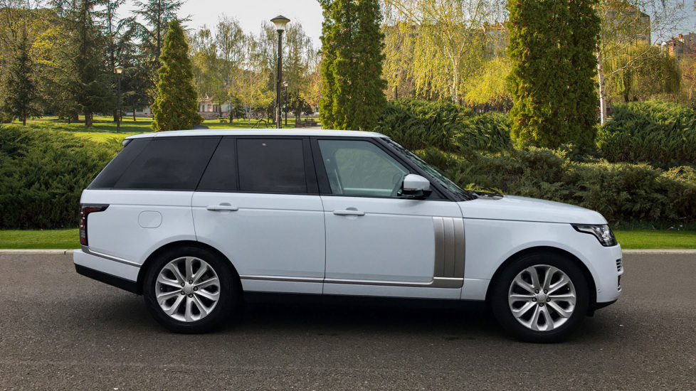 Land Rover Range Rover 3.0 TDV6 Vogue SE 4dr - Fixed Panoramic Roof - Privacy Glass -  image 5