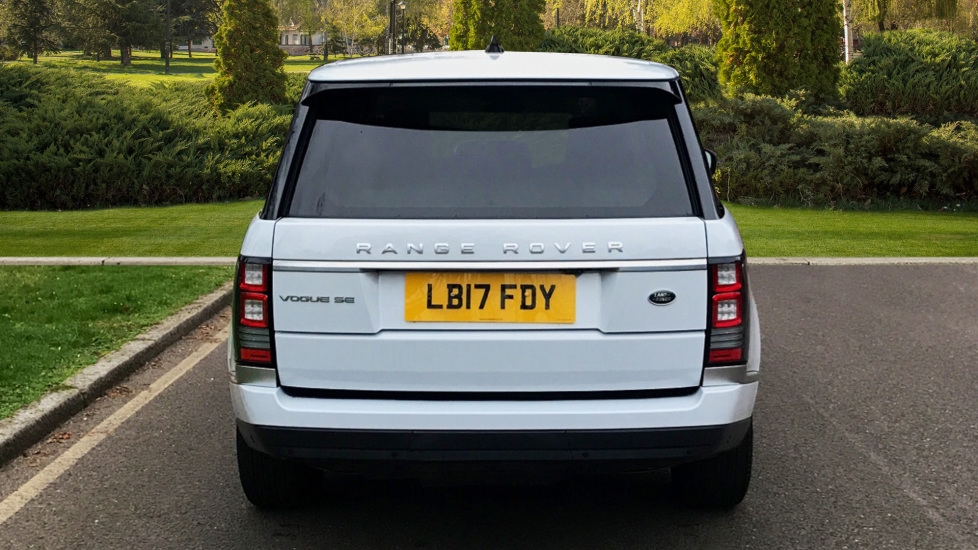 Land Rover Range Rover 3.0 TDV6 Vogue SE 4dr - Fixed Panoramic Roof - Privacy Glass -  image 6