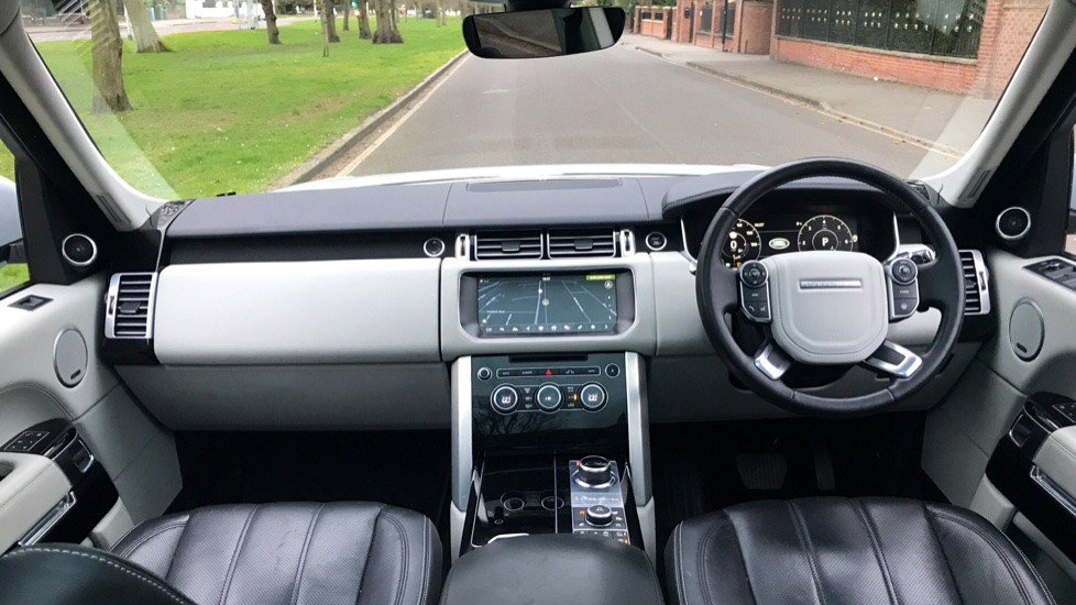 Land Rover Range Rover 3.0 TDV6 Vogue SE 4dr - Fixed Panoramic Roof - Privacy Glass -  image 9
