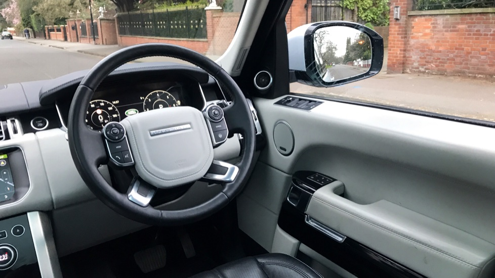 Land Rover Range Rover 3.0 TDV6 Vogue SE 4dr - Fixed Panoramic Roof - Privacy Glass -  image 10