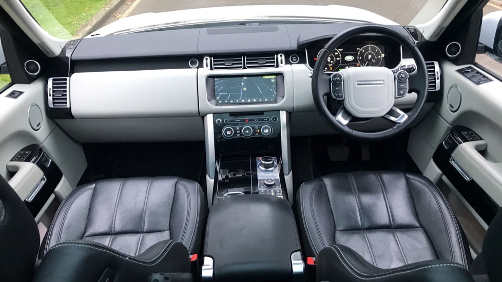 Land Rover Range Rover 3.0 TDV6 Vogue SE 4dr - Fixed Panoramic Roof - Privacy Glass -  image 12