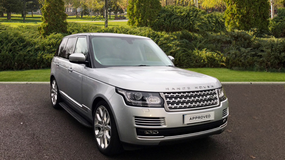 Land Rover Range Rover 4.4 SDV8 Vogue SE 4dr - Sliding Panoramic Roof - Privacy Glass - Deployable Tow Bar Diesel Automatic 5 door Estate (2014) image