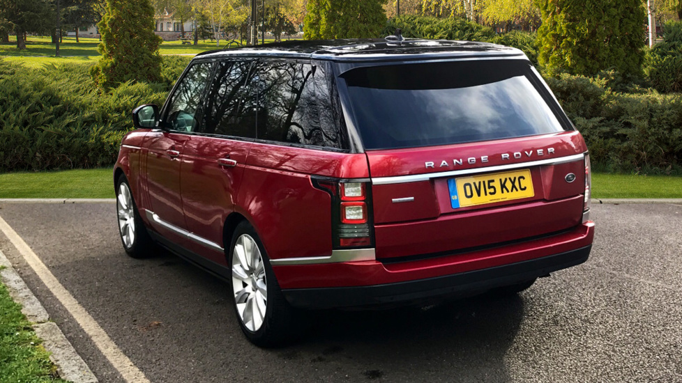 Land Rover Range Rover 4.4 SDV8 Autobiography 4dr - Fixed Panoramic Roof - Privacy Glass - Electric Deployable Side Steps image 2