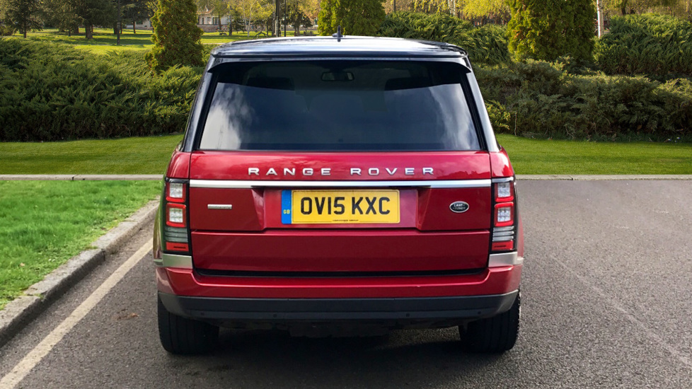 Land Rover Range Rover 4.4 SDV8 Autobiography 4dr - Fixed Panoramic Roof - Privacy Glass - Electric Deployable Side Steps image 6