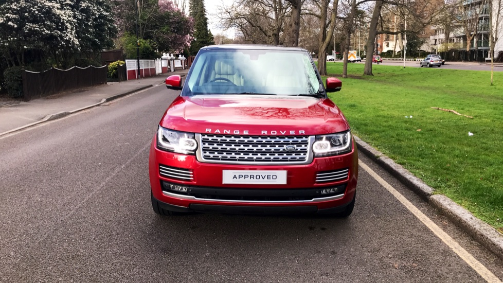 Land Rover Range Rover 4.4 SDV8 Autobiography 4dr - Fixed Panoramic Roof - Privacy Glass - Electric Deployable Side Steps image 32