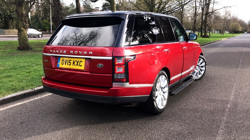 Land Rover Range Rover 4.4 SDV8 Autobiography 4dr - Fixed Panoramic Roof - Privacy Glass - Electric Deployable Side Steps image 34