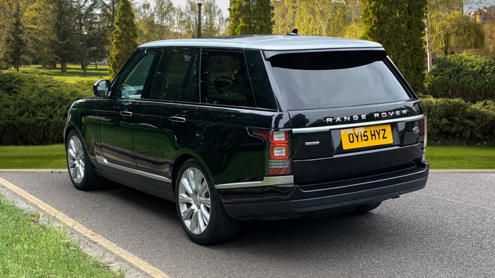 Land Rover Range Rover 4.4 SDV8 Autobiography 4dr - Fixed Panoramic Roof - Privacy Glass -  image 2