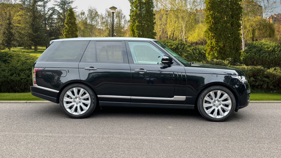 Land Rover Range Rover 4.4 SDV8 Autobiography 4dr - Fixed Panoramic Roof - Privacy Glass -  image 5