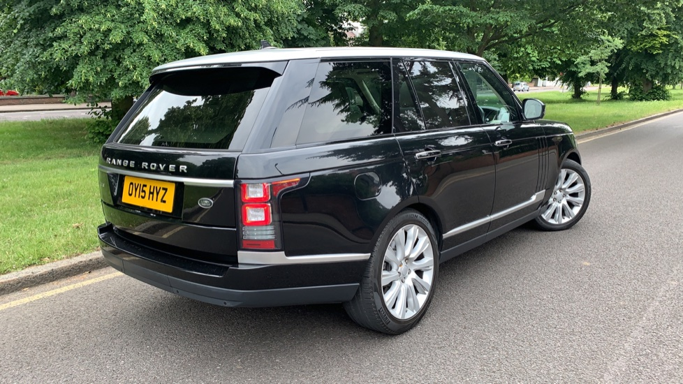 Land Rover Range Rover 4.4 SDV8 Autobiography 4dr - Fixed Panoramic Roof - Privacy Glass -  image 37