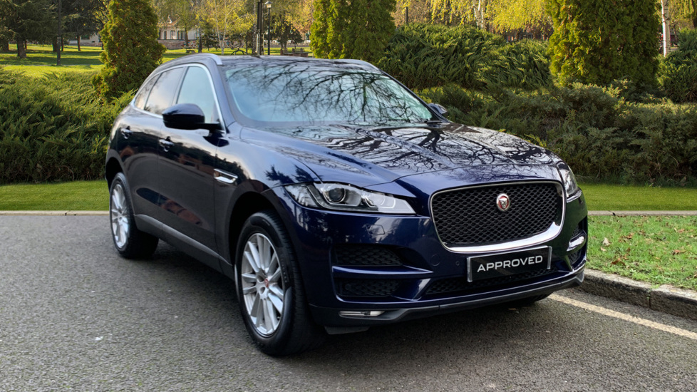 Jaguar F-PACE 2.0d Portfolio 5dr AWD Diesel Automatic 4 door Estate (2018) image