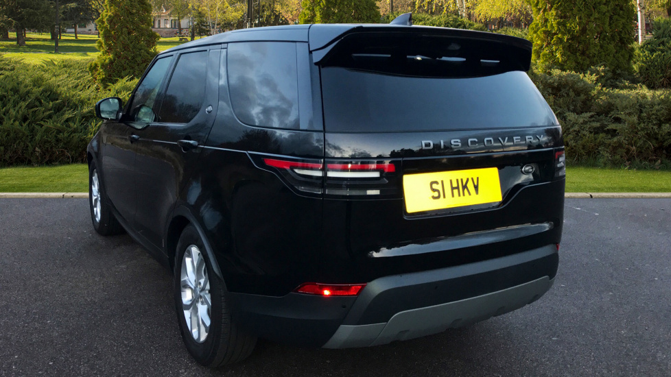 Land Rover Discovery 3.0 TD6 SE 5dr - 7 Seats - Electric Panoramic Roof - Privacy Glass -  image 2