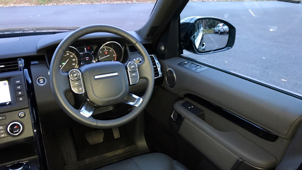 Land Rover Discovery 3.0 TD6 SE 5dr - 7 Seats - Electric Panoramic Roof - Privacy Glass -  image 11