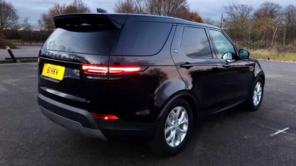 Land Rover Discovery 3.0 TD6 SE 5dr - 7 Seats - Electric Panoramic Roof - Privacy Glass -  image 32