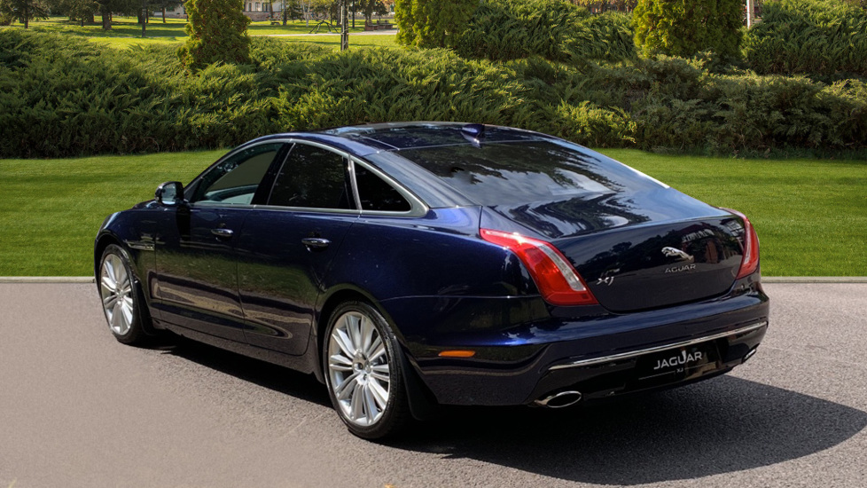 Jaguar XJ 3.0d V6 Premium Luxury -  Great Savings of *** £24,770*** Off Normal List Price.  image 2
