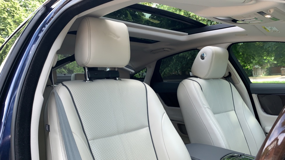 Jaguar XJ 3.0d V6 Premium Luxury -  Great Savings of *** £24,770*** Off Normal List Price.  image 25