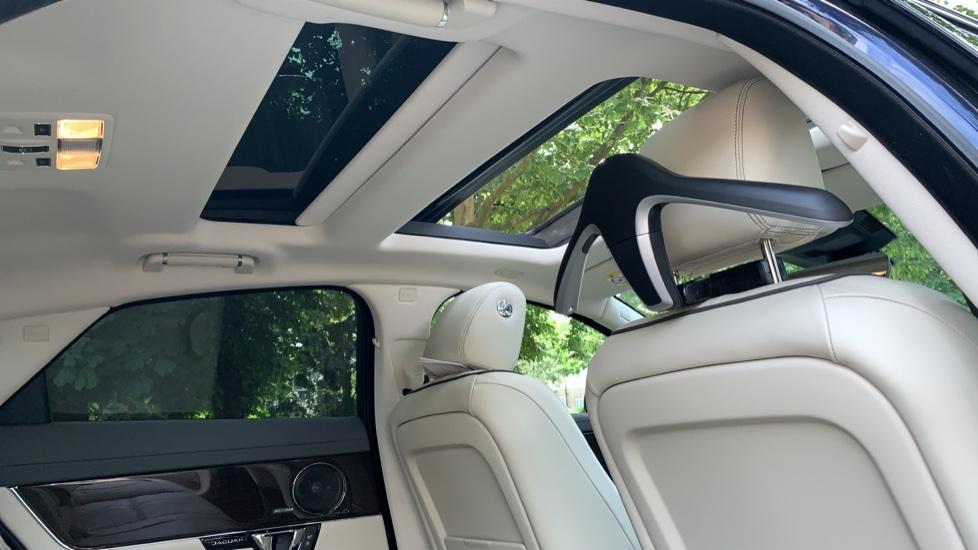 Jaguar XJ 3.0d V6 Premium Luxury -  Great Savings of *** £24,770*** Off Normal List Price.  image 27