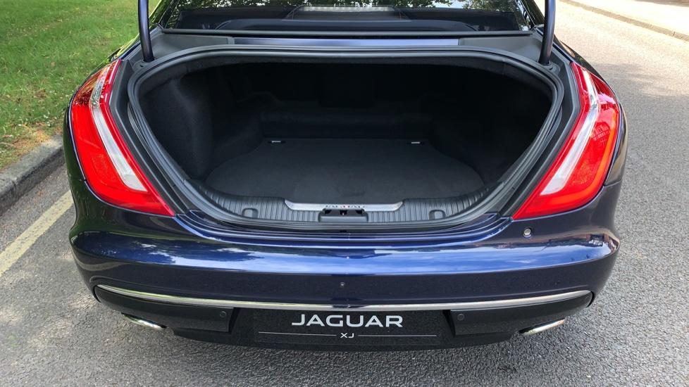 Jaguar XJ 3.0d V6 Premium Luxury -  Great Savings of *** £24,770*** Off Normal List Price.  image 31