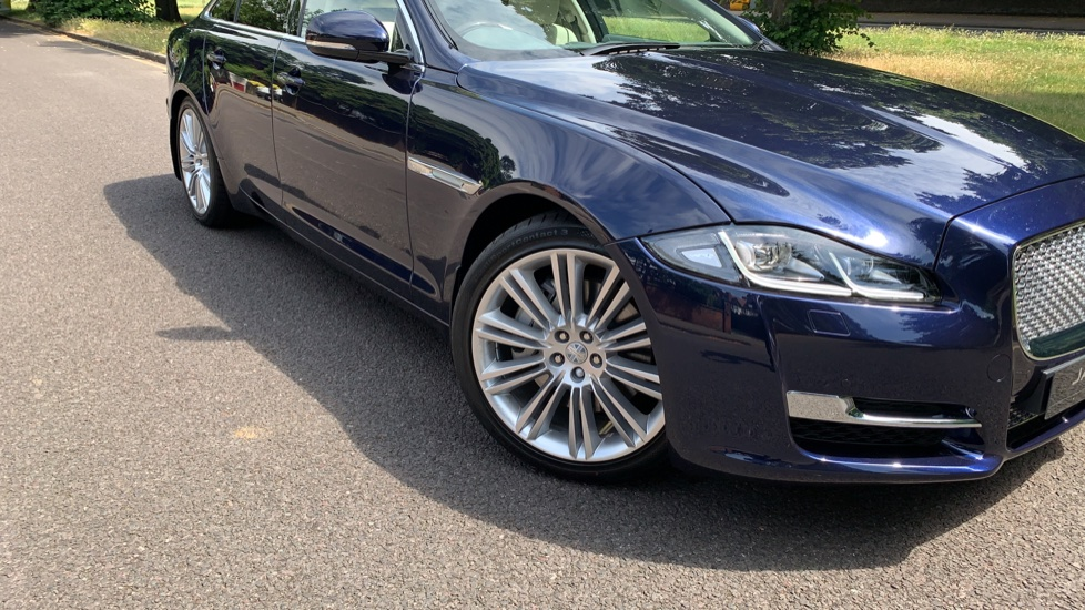 Jaguar XJ 3.0d V6 Premium Luxury -  Great Savings of *** £24,770*** Off Normal List Price.  image 33