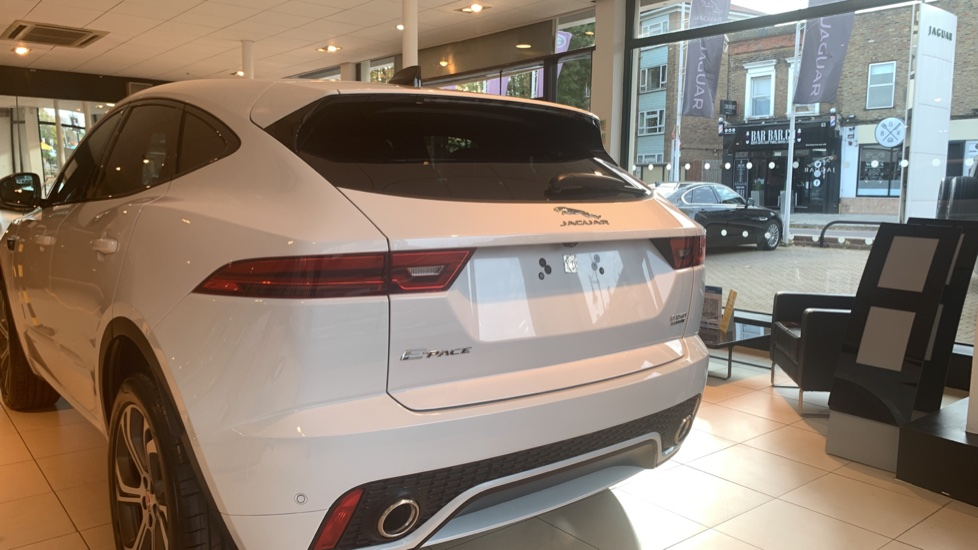 Jaguar E-PACE 2.0d Chequered Flag Edition SPECIAL EDITIONS image 6