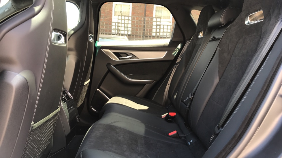 Jaguar F-PACE 5.0 V8 550 SVR AWD image 4