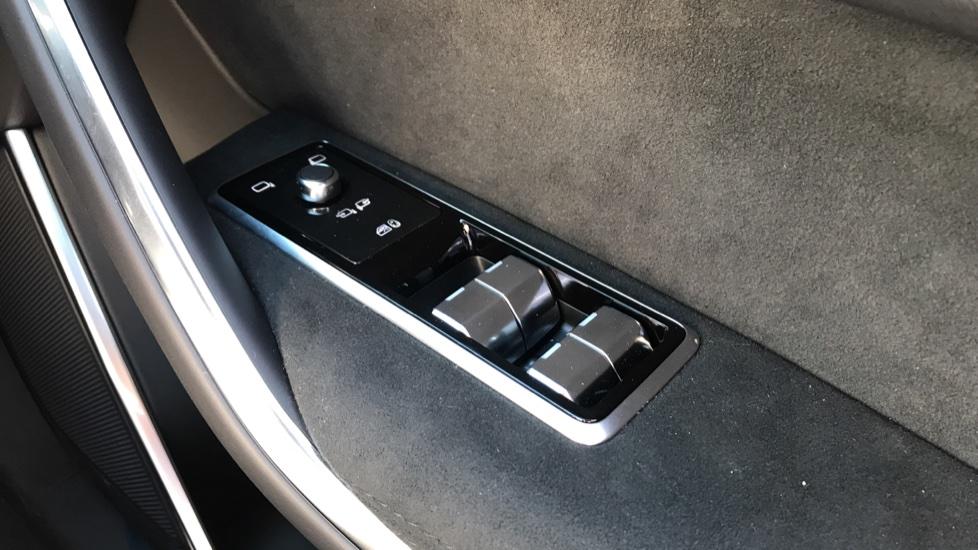 Jaguar F-PACE 5.0 V8 550 SVR AWD image 19