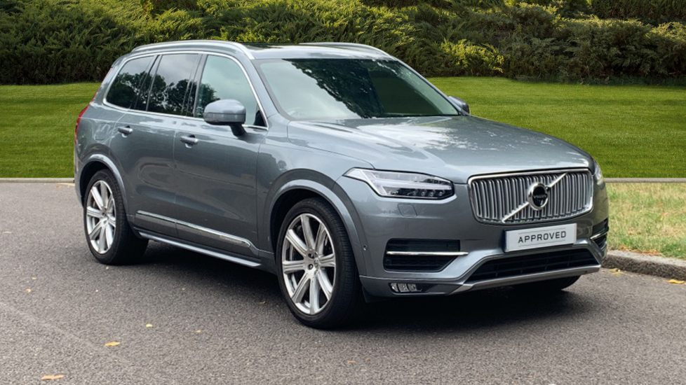 Volvo XC90 2.0 D5 PowerPulse Inscription Pro 5dr AWD G tronic - Privacy Glass - Panoramic Roof - 7 Seats Diesel Automatic Estate (2017) image