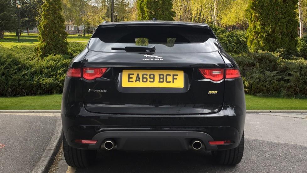 Jaguar F-PACE 3.0d V6 300 Sport 5dr AWD - Sliding Panoramic Roof - Privacy Glass - Demonstrator image 6