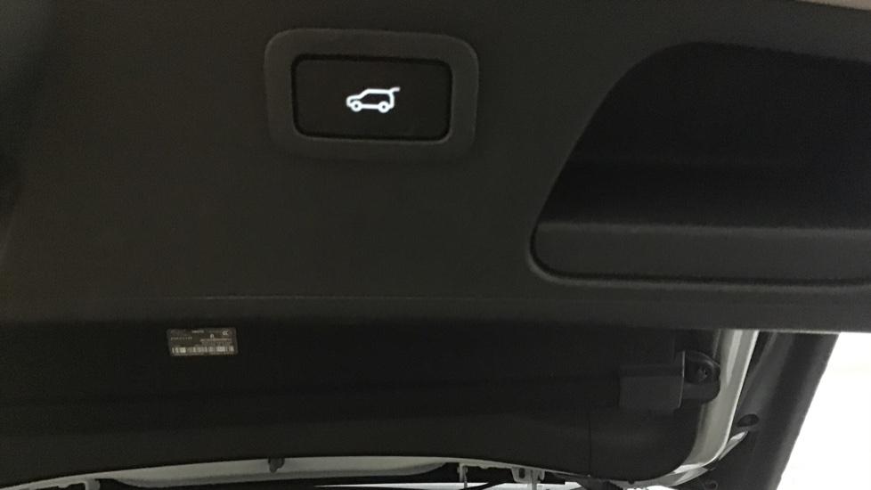 Jaguar E-PACE 2.0d [180] Chequered Flag Edition 5dr image 11