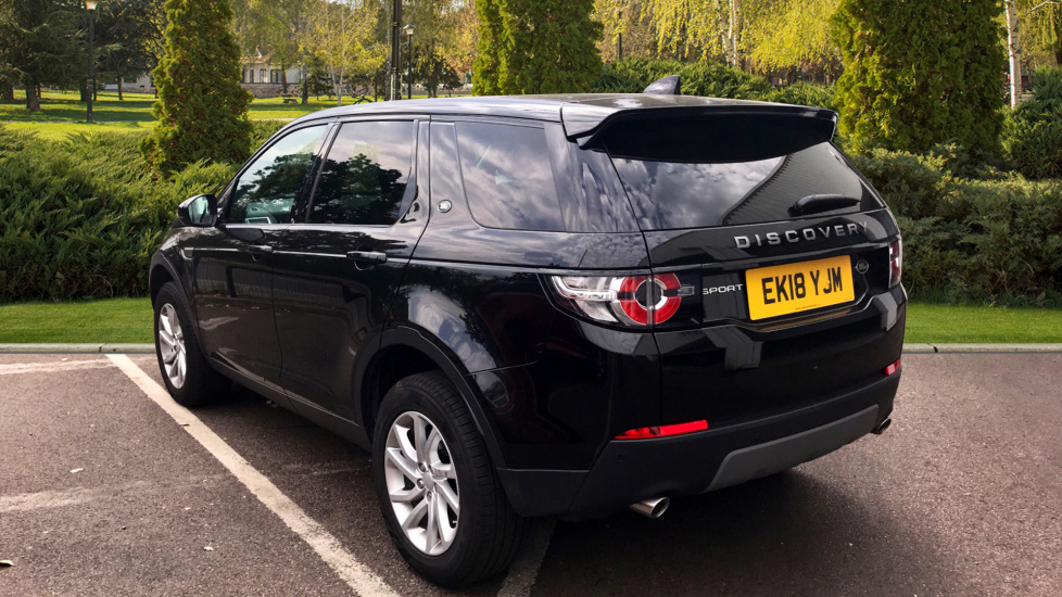 Land Rover Discovery Sport 2.0 TD4 180 SE 5dr - 5+2 Seatings - Privacy Glass - Fixed Panoramic Roof - Nearly New -   image 2
