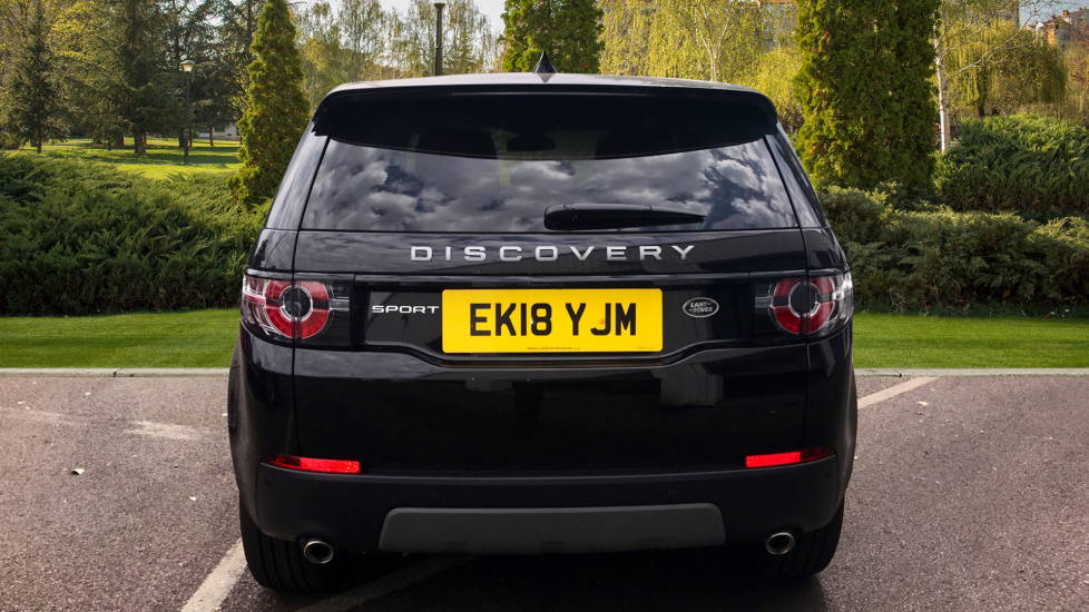 Land Rover Discovery Sport 2.0 TD4 180 SE 5dr - 5+2 Seatings - Privacy Glass - Fixed Panoramic Roof - Nearly New -   image 6